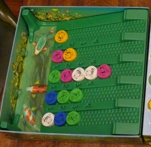 Sample Water Lily end game positions. There are frogs in each row, with one row having 5 frogs.