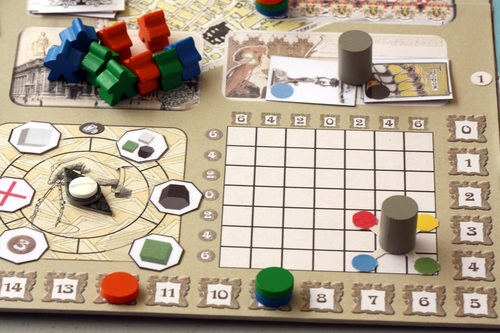 courtesy of BGG user styren - this is a shot of the prototype, but you can see the grid and the cursor in the bottom right