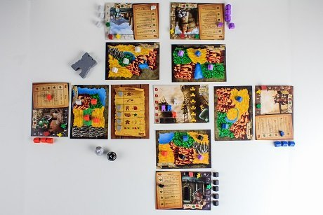 Tiny Epic Kingdoms playing