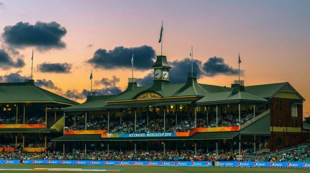 cricket-at-the-sydney-cricket-ground